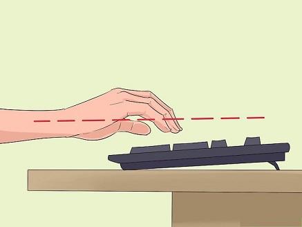 زاویه دست هنگام تایپ کردن